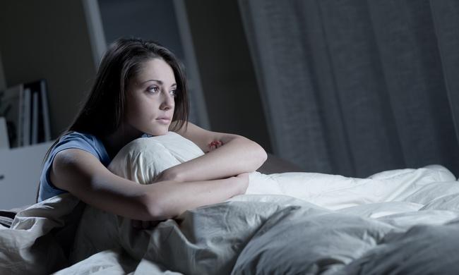 Thiền trước khi ngủ 5 phút mỗi ngày giúp bạn chìm vào giấc ngủ nhanh hơn - Ảnh 1.
