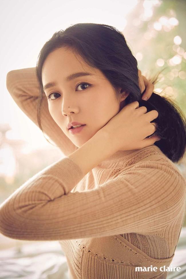 """Top 10 mỹ nhân Hàn Quốc thế kỷ 21: Bộ ba nữ thần """"Tae - Hye - Ji"""" đều có mặt nhưng đỉnh cao nhất phải là người đẹp huyền thoại 49 tuổi này  - Ảnh 8."""