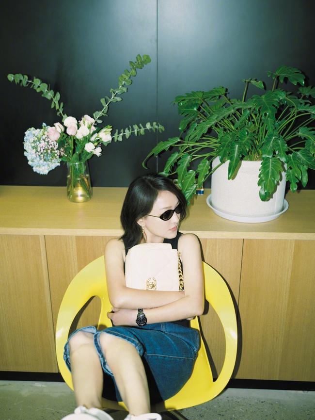 Khoe vẻ đẹp sương sương ở tuổi 45, Châu Tấn khiến công chúng ngỡ tưởng đang ngắm cô thời còn đôi mươi - Ảnh 3.