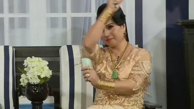 """Thực hư chuyện lấy 10 đời chồng của """"nữ hoàng livestream"""" Minh Hiếu có tài sản hơn 100 cây vàng - Ảnh 7."""