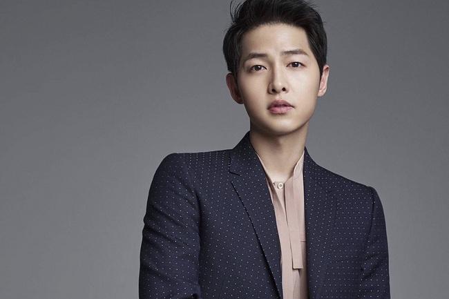 """Rộ tin phim kinh dị của Song Joong Ki là """"thùng rỗng kêu to"""", phải cắt giảm nhân sự vì không đủ tiền trả, dự án bị thất bại? - Ảnh 2."""