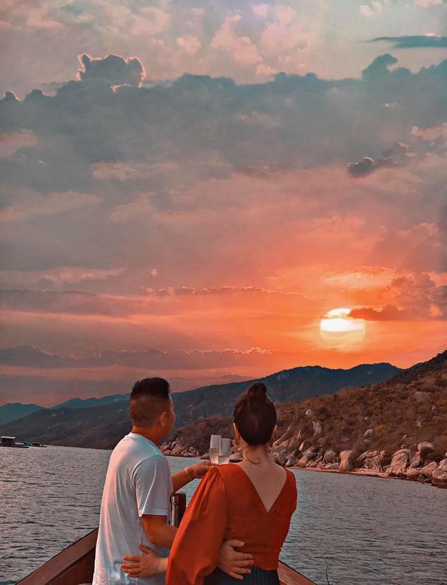 Bảo Thy và ông xã kỷ niệm 6 tháng về chung một nhà bằng chuyến đi Nha Trang.