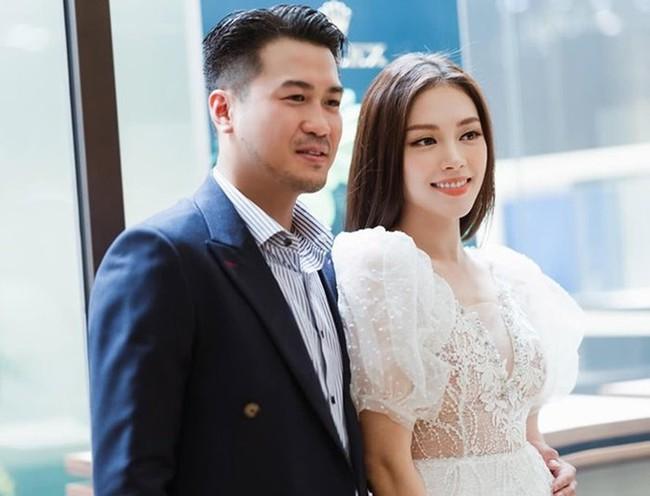 Vừa tái hợp em chồng Tăng Thanh Hà, Linh Rin lần đầu xuất hiện công khai với gương mặt rạng rỡ - Ảnh 3.