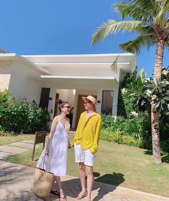 9x Sài Gòn có bầu lại xinh hơn thời con gái, ra biển vẫn diện bikini khoe trọn 3 vòng, sắp đẻ càng rạng ngời gấp bội - Ảnh 9.