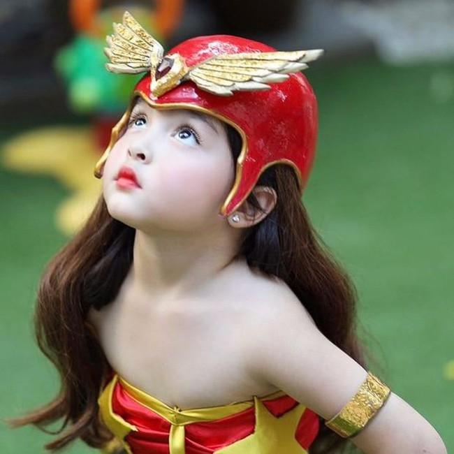 Hoá thân chính người mẹ của mình, con gái mỹ nhân đẹp nhất Philippines khiến ai nấy xuýt xoa vì xinh đẹp, thần thái hơn mẹ - Ảnh 7.