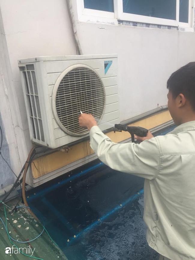 Hà Nội bước vào đợt nắng nóng đầu tiên, thợ bảo dưỡng điều hòa đã nhét túi tiền triệu/ngày - Ảnh 3.