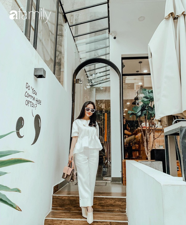 9x Sài Gòn có bầu lại xinh hơn thời con gái, ra biển vẫn diện bikini khoe trọn 3 vòng, sắp đẻ càng rạng ngời gấp bội - Ảnh 1.