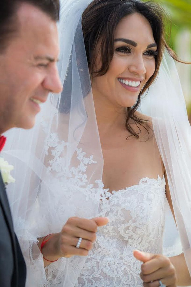 """Từng gây xôn xao dư luận khi kết hôn với tỷ phú hơn 31 tuổi, nhận nhẫn cưới 2 tỷ đồng, """"chân dài"""" xinh đẹp giờ đây có cuộc sống khiến nhiều người ngỡ ngàng - Ảnh 5."""