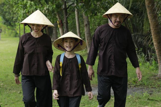 Con trai Thu Trang - Tiến Luật nhắc tên con gái Đoan Trang, lại còn e thẹn cực đáng yêu  - Ảnh 9.