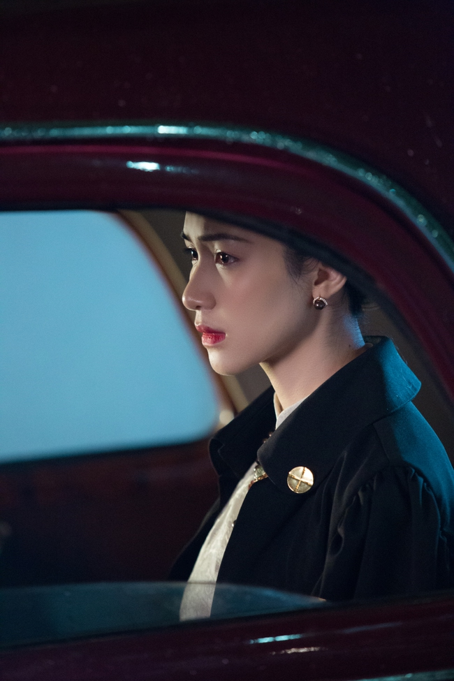 Hòa Minzy tung MV về chuyện tình Vua Bảo Đại - Nam Phương Hoàng hậu, xuất hiện với tạo hình tuyệt đẹp - Ảnh 8.