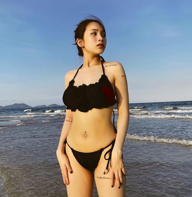 Vừa sinh xong mới hơn 1 tháng, Joyce Phạm - ái nữ nhà Minh Nhựa đã tự tin diện bikini khoe eo thon không tì vết khi đi nghỉ dưỡng - Ảnh 2.