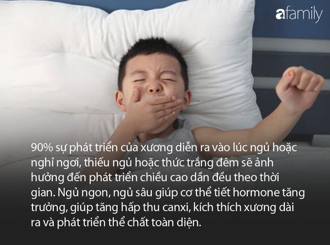 Còn duy trì 4 thói quen này trước giờ đi ngủ của con, đừng hỏi vì sao con thấp lùn hơn các bạn cùng tuổi - Ảnh 1.