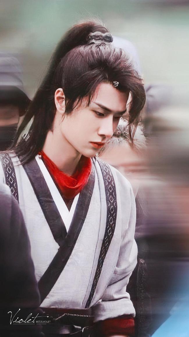 """Vừa quay xong """"Hữu Phỉ"""", Vương Nhất Bác đã cắt tóc, lướt sóng đẹp mê mẩn, netizen náo loạn gọi tên  - Ảnh 11."""
