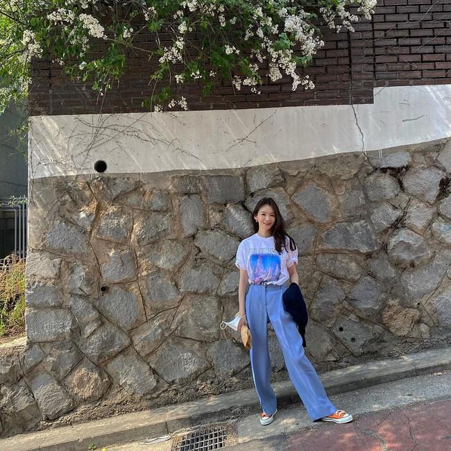 Kang Min Kyung của nhóm Davichi chính là tấm gương mặc đẹp đáng lưu tâm, nàng U30 học theo set nào là ăn chắc điểm set đó - Ảnh 7.
