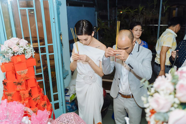 """Siêu mẫu Xuân Lan lần đầu tiết lộ hình ảnh trong lễ ăn hỏi bí mật, kể chuyện đám cưới """"chớp nhoáng"""" với ông xã Việt Kiều - Ảnh 5."""