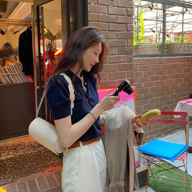Kang Min Kyung của nhóm Davichi chính là tấm gương mặc đẹp đáng lưu tâm, nàng U30 học theo set nào là ăn chắc điểm set đó - Ảnh 1.