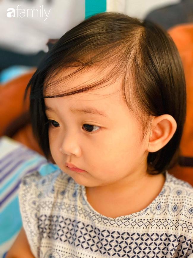 Ngắm loạt ảnh hiện tại con gái Khánh Thi, cô bé từng sinh non 1,9kg giờ đã phổng phao, ngoại hình hệt bố nhưng tính tình đặc mẹ - Ảnh 6.