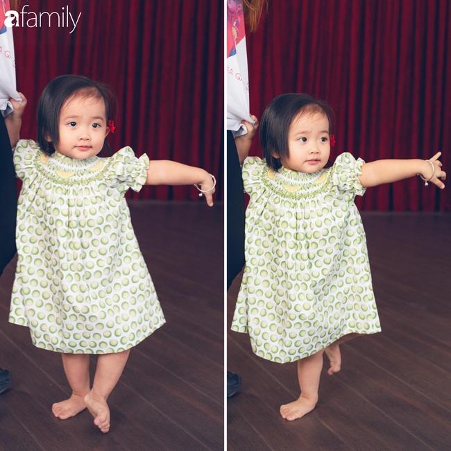 Ngắm loạt ảnh hiện tại con gái Khánh Thi, cô bé từng sinh non 1,9kg giờ đã phổng phao, ngoại hình hệt bố nhưng tính tình đặc mẹ - Ảnh 13.