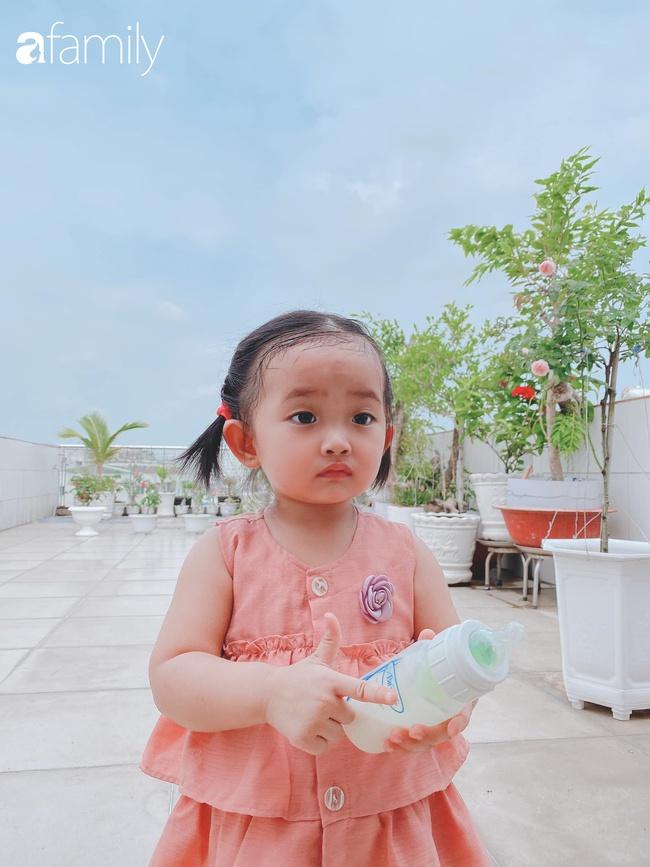 Ngắm loạt ảnh hiện tại con gái Khánh Thi, cô bé từng sinh non 1,9kg giờ đã phổng phao, ngoại hình hệt bố nhưng tính tình đặc mẹ - Ảnh 9.