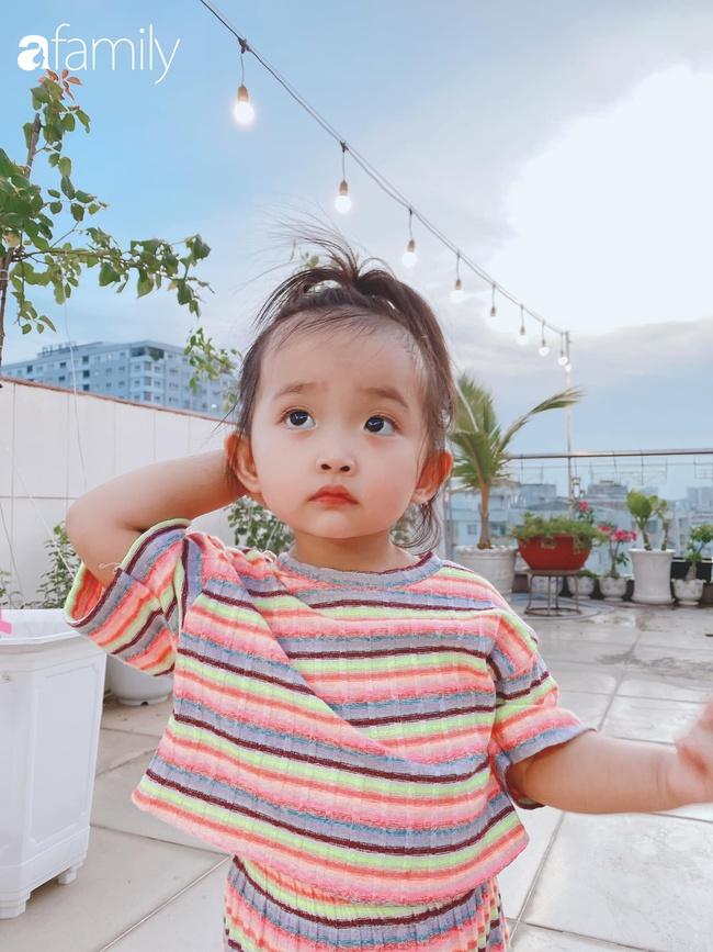 Ngắm loạt ảnh hiện tại con gái Khánh Thi, cô bé từng sinh non 1,9kg giờ đã phổng phao, ngoại hình hệt bố nhưng tính tình đặc mẹ - Ảnh 10.