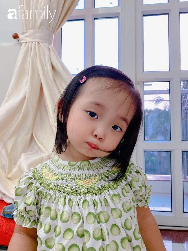 Ngắm loạt ảnh hiện tại con gái Khánh Thi, cô bé từng sinh non 1,9kg giờ đã phổng phao, ngoại hình hệt bố nhưng tính tình đặc mẹ - Ảnh 11.