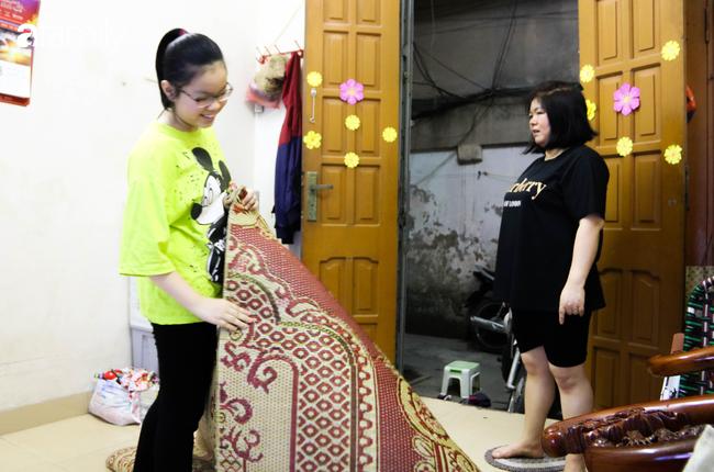Sau nhiều ngày thực hiện cách ly xã hội, người Hà Nội nghỉ lễ chỉ cần được đi du lịch ở Hồ Gươm để ăn kem Tràng Tiền cho đỡ nhớ - Ảnh 3.