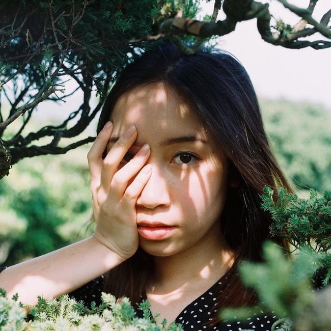 Con gái út diva Mỹ Linh ra bài hát được dân mạng like nhiệt tình, nhìn lại mới thấy Mỹ Anh 18 tuổi rất - Ảnh 4.