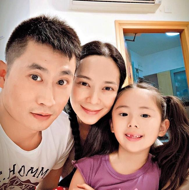 Những sao nam Đại Lục khi kết hôn với mỹ nhân Hong Kong - Đài Loan: Cặp đôi nào hạnh phúc nhất? - Ảnh 7.