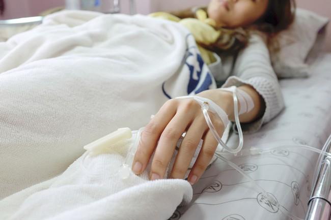 2 phụ nữ trẻ phải cắt bỏ trực tràng vì ung thư, vừa nghe tên 2 món mà họ thích ăn bác sĩ liền hiểu ngay nguyên nhân gây bệnh - Ảnh 2.
