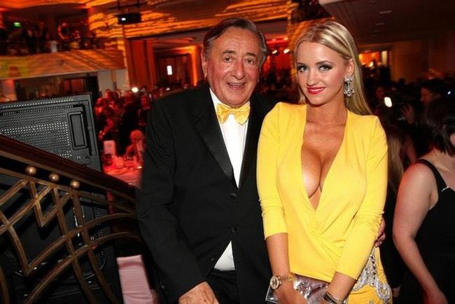 """Cuộc hôn nhân bạc tỷ của tỷ phú USD 81 tuổi được mệnh danh là ông trùm """"sát gái"""" nhất thế giới với người mẫu kém tuổi con mình giờ ra sao? - Ảnh 2."""
