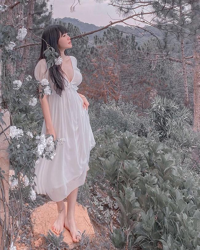 Elly Trần bày tỏ: Một điều đáng buồn là con người ta thường không xem trọng những giấy phút bình yên mà mình đang có nhưng lại sẵn sàng dành cả phần đời sau đó để hoài niệm về nó.
