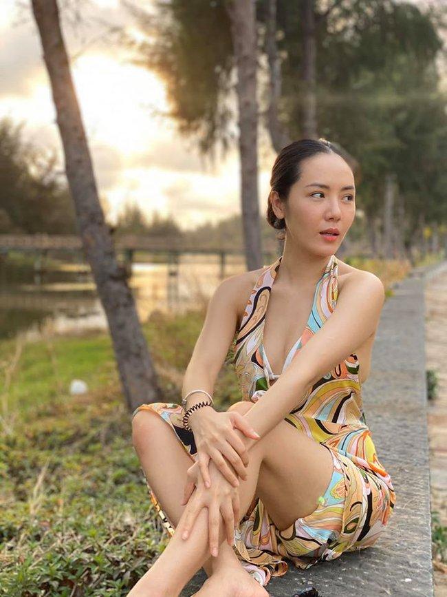 Phương Linh gửi lời chào tháng đẹp nhất trong năm.