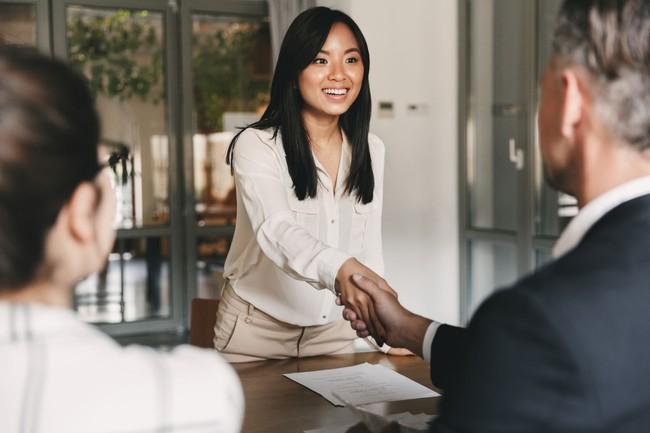 Đi phỏng vấn bị từ chối là chuyện thường nhưng nếu đó là công việc trong mơ, dân công sở nên thực hiện ngay 3 bước này - Ảnh 4.