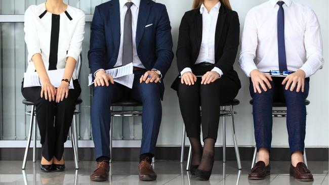 Đi phỏng vấn bị từ chối là chuyện thường nhưng nếu đó là công việc trong mơ, dân công sở nên thực hiện ngay 3 bước này - Ảnh 1.