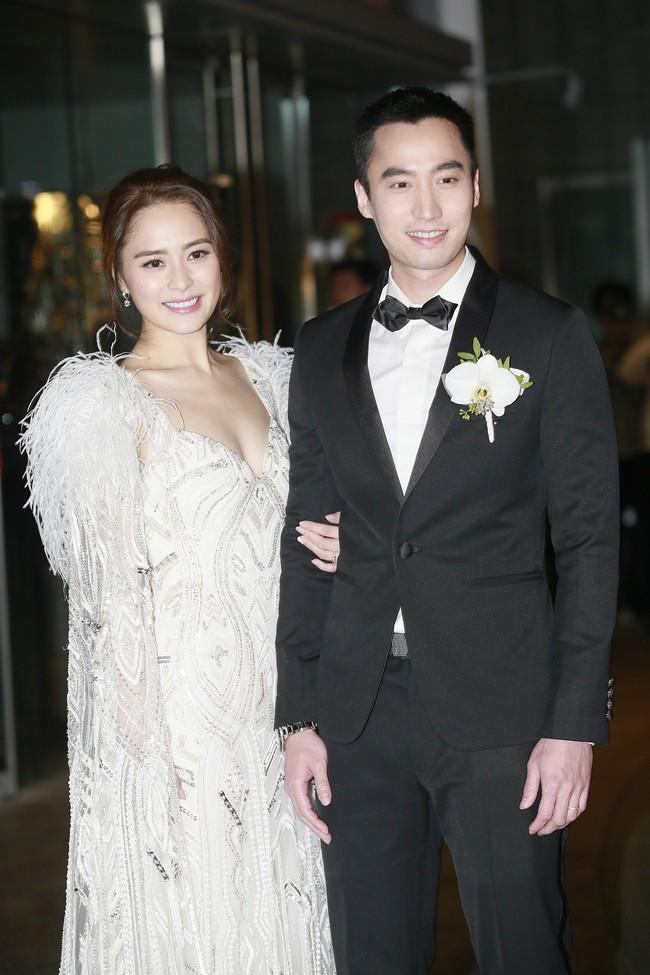 Chuyện tình cảm tốn nhiều giấy mực của Chung Hân Đồng và Lại Hoằng Quốc đã kết thúc bằng việc ly hôn.