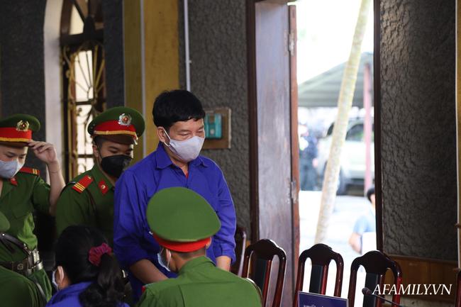 Xét xử gian lận điểm thi ở Sơn La: Lãnh đạo phòng giáo dục nhận 1 tỉ đồng của thượng tá công an để nâng điểm - Ảnh 4.