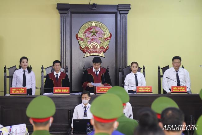 Xét xử gian lận điểm thi ở Sơn La: Lãnh đạo phòng giáo dục nhận 1 tỉ đồng của thượng tá công an để nâng điểm - Ảnh 5.