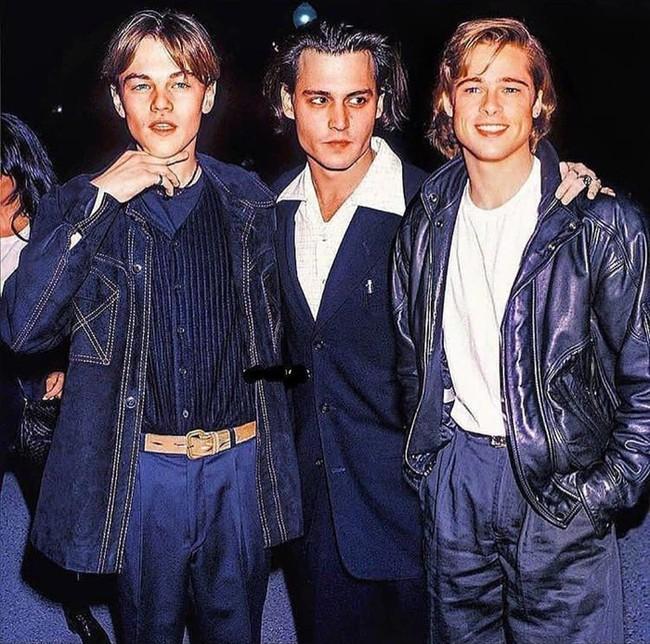 """Bức ảnh cực hiếm về ba chàng """"ngự lâm quân"""" đình đám nhất những năm 90 của Hollywood bất ngờ hot trở lại: Khoảnh khắc đắt giá hội ngộ  - Ảnh 1."""