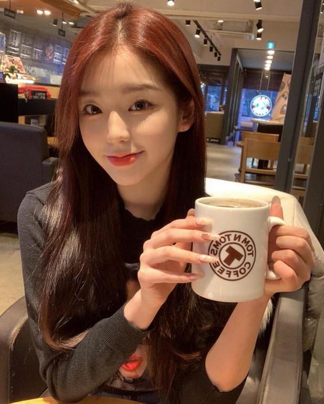 Nhóm nữ bị tố hỗn láo với Jennie (BLACKPINK), nhảy giỏi hơn Lisa, lại được so sánh nhan sắc ngang ngửa Jisoo - Irene (Red Velvet) - Ảnh 4.