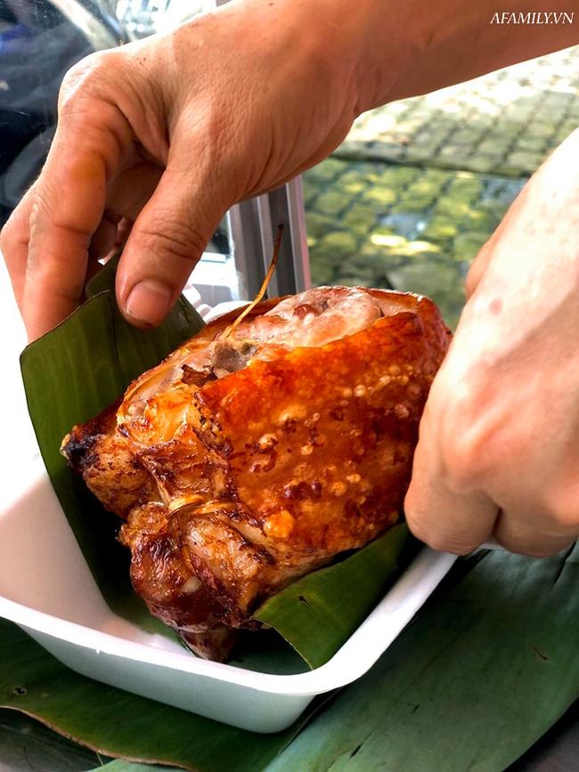 Giá thịt lợn lên cao khiến thịt quay cũng cán mốc 350 ngàn đồng/kg: Tiểu thương chấp nhận bán không lãi nhưng khách ăn vẫn giảm một nửa - Ảnh 5.