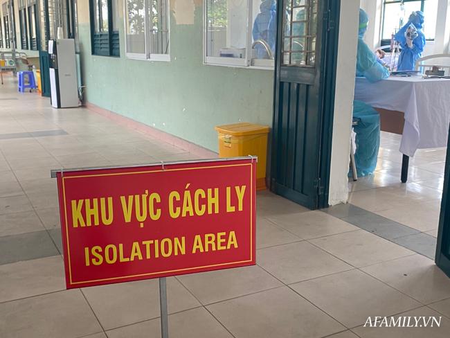 Người đàn ông sốt ho sau khi từ Campuchia về nước bằng ghe khiến 63 người bị cách ly, phong tỏa bến xe Hậu Giang - Ảnh 1.