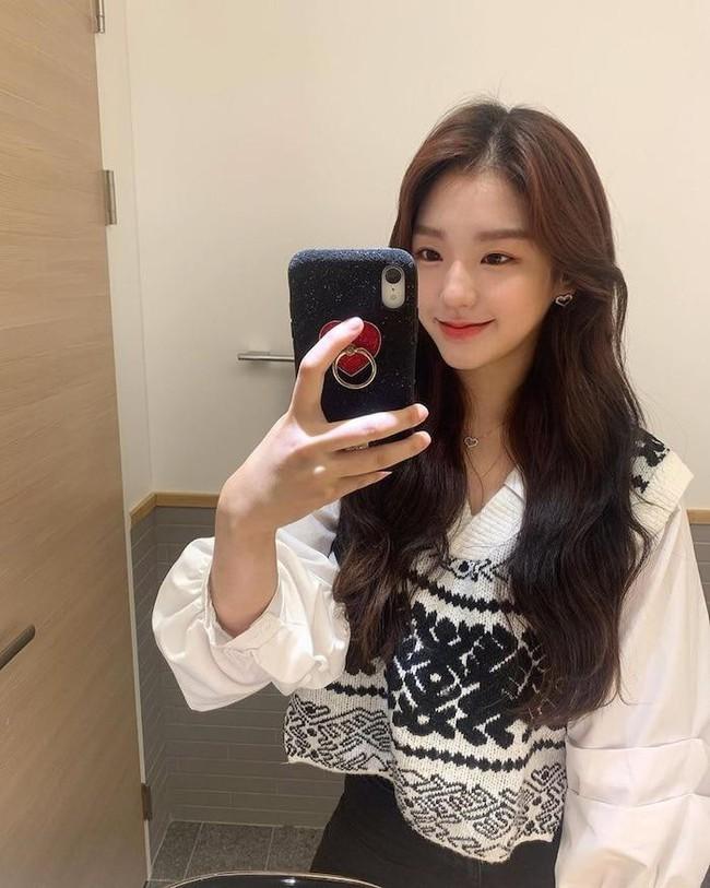 Nhóm nữ bị tố hỗn láo với Jennie (BLACKPINK), nhảy giỏi hơn Lisa, lại được so sánh nhan sắc ngang ngửa Jisoo - Irene (Red Velvet) - Ảnh 7.