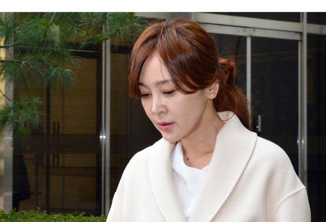 """Mỹ nhân """"Mối tình đầu"""" Lee Seung Yeon: Nàng Á hậu từng làm điên đảo cả Châu Á cuối cùng ngậm đắng nuốt cay vì scandal chấn động, quỳ gối cầu xin cũng không được tha thứ  - Ảnh 8."""