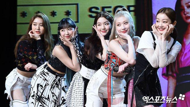 Nhóm nữ bị tố hỗn láo với Jennie (BLACKPINK), nhảy giỏi hơn Lisa, lại được so sánh nhan sắc ngang ngửa Jisoo - Irene (Red Velvet) - Ảnh 2.