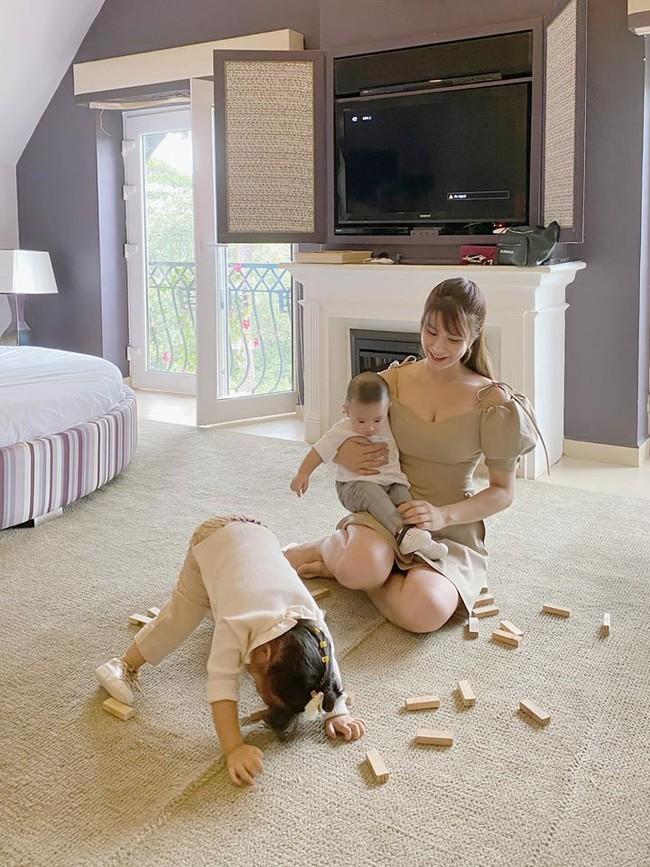 Diệp Lâm Anh kể nỗi khổ khi chụp ảnh cùng các con, mẹ bỉm sữa nào nghe xong cũng đồng cảm - Ảnh 4.