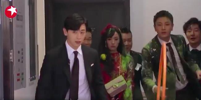 Thử thách cực hạn: Đặng Luân - Giả Nãi Lượng làm vệ sĩ mà thấy khói đã bỏ chạy, netizen bình luận đẹp trai là được  - Ảnh 6.