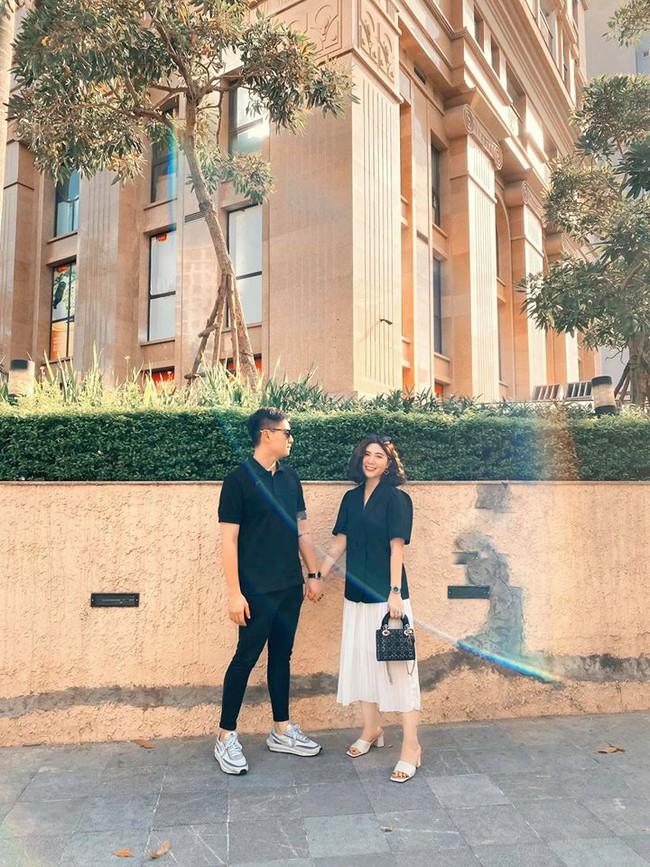 Cuối tuần của các hot mom: Bà mẹ 4 con Trang Moon khoe ảnh hồi bé tí xíu, Meo Meo sang chảnh đi du lịch cùng chồng - Ảnh 9.