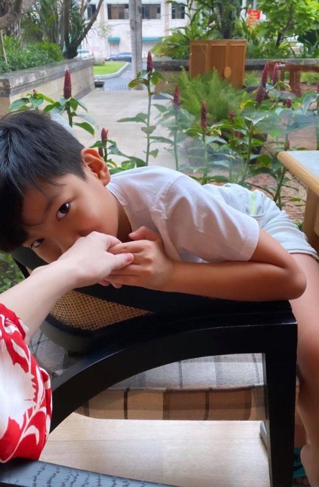 Vừa xuất hiện thông tin về việc mang thai đôi, Hồ Ngọc Hà đã có động thái mới bên Kim Lý và con trai Subeo - Ảnh 2.
