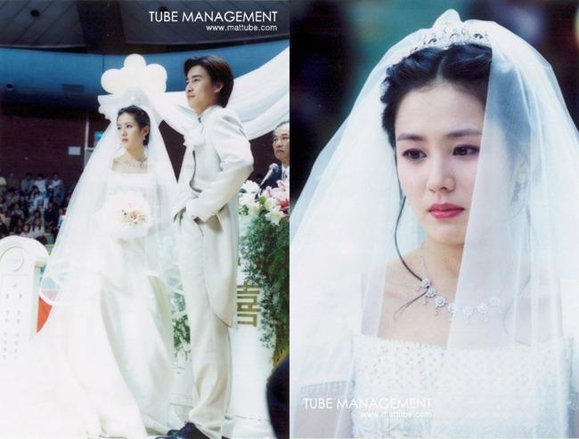 Bộ ảnh hiếm 20 năm trước của Son Ye Jin hot trở lại: Mắt ngấn lệ, làm cô dâu xinh đẹp bên cạnh Cha Tae Hyun - Ảnh 8.
