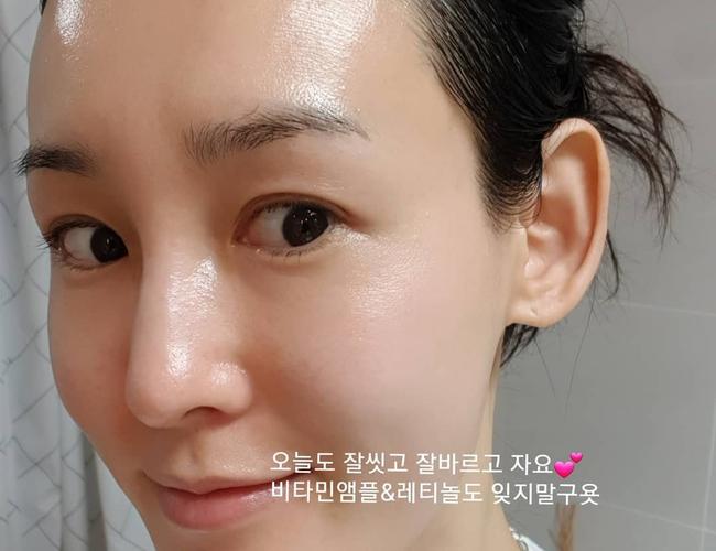 Bác sĩ nhấn mạnh: Chị em chỉ cần dùng đúng 3 sản phẩm chống lão hóa là da sẽ đẹp nữa đẹp mãi, không chịu già đi - Ảnh 4.